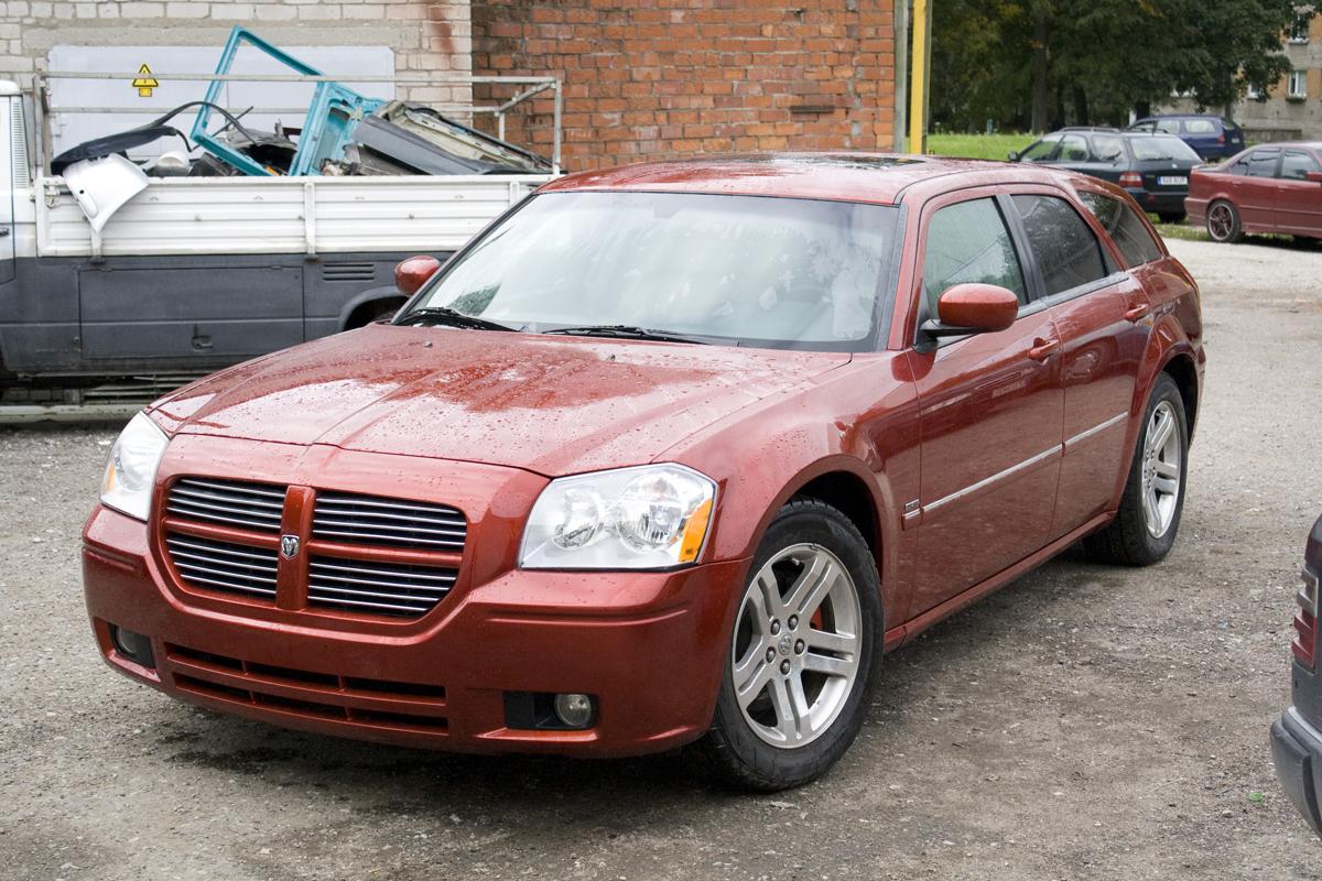 Полная покраска красного Dodge