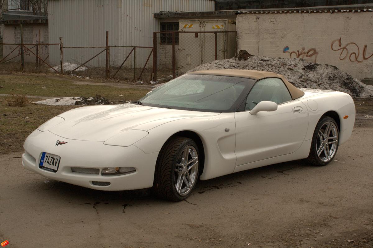 Valge Corvette Täisülevärvimine