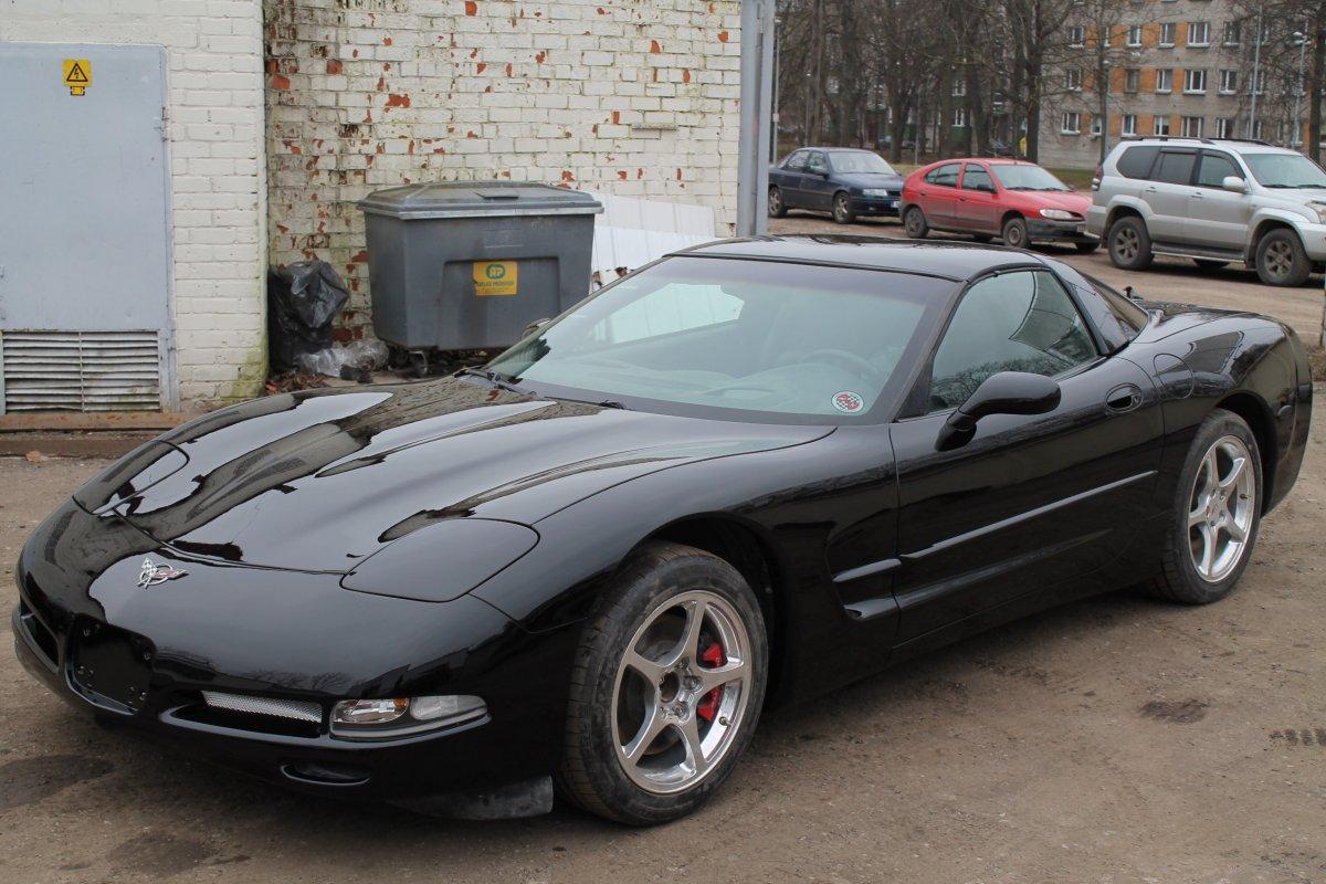Желтый Corvette Становится Чёрным - Шаг 3 (Отреставрирована)