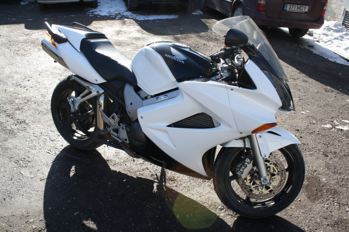Black-White Honda Superbike Design Overpaintjob