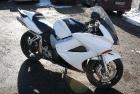 Musta-Valge Honda Superbike Disain Ülevärvimine